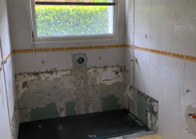 avant-renovation-sdb-thonon-manu-casier-plombier